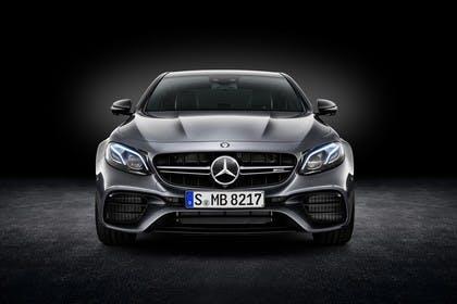 Mercedes-AMG E 63 W213/S231 Aussenansicht Studio statisch schwarz