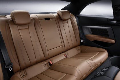 Audi A5 Coupe Innenansicht Rücksitzbank Studio statisch braun