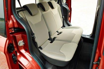 Ford Tourneo Courier JU2 Innenansicht Rücksitze