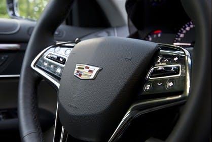 Cadillac ATS Coupé Innenansicht statisch Detail Lenkrad