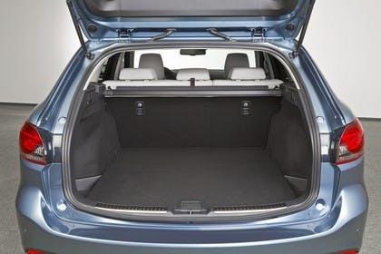 Mazda 6 Kombi GJ Aussenansicht Heck statisch Studio Heckklappe geöffnet