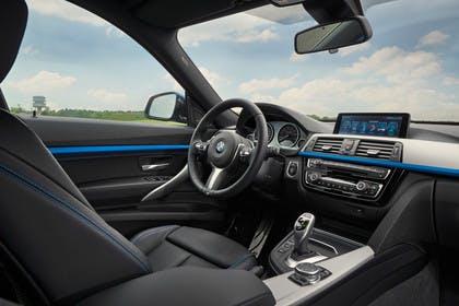BMW 3er GT F34 Innenansicht Beifahrerposition statisch schwarz