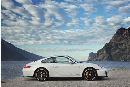 Porsche 911 Carrera GTS 997.2 Aussenansicht Seite statisch weiss