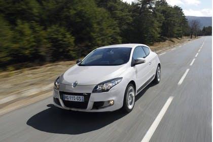 Renault Mégane Coupé Z Aussenansicht Front schräg dynamisch weiss
