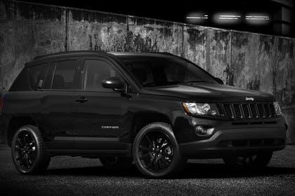 Jeep Compass Aussenansicht Front schräg statisch schwarz