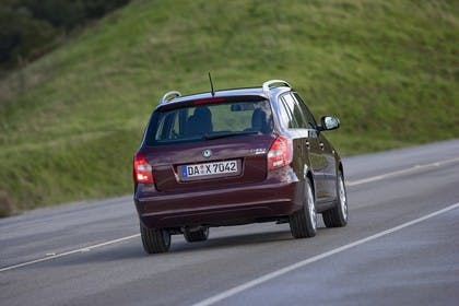 Skoda Fabia 5J  Combi Facelift Aussenansicht Heck dynamisch rot