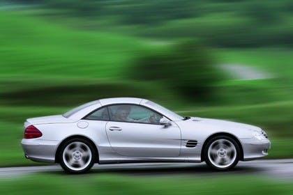 Mercedes SL R230 Aussenansicht Seite dynamisch silber