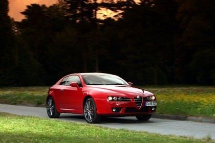 Alfa Romeo Brera 939 Aussenansicht Front schräg dynamisch rot