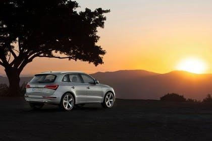 Audi Q5 8R Aussenansicht Heck schräg statisch silber
