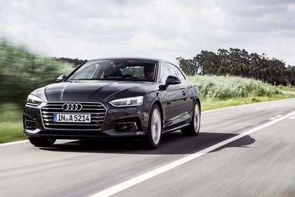 Audi A5 Coupe Aussenansicht Front schräg dynamisch lila