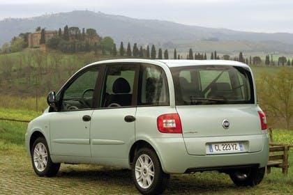 Fiat Multipla 186 Facelift Aussenansicht Heck schräg statisch silber
