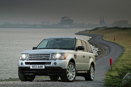 Land Rover Range Rover Sport LS Aussenansicht Front schräg statisch silber