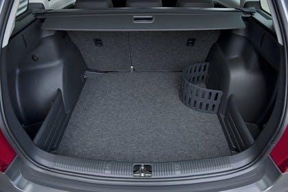 Skoda Fabia 5J Combi Facelift Innenansicht Kofferraum geöffnet statisch schwarz