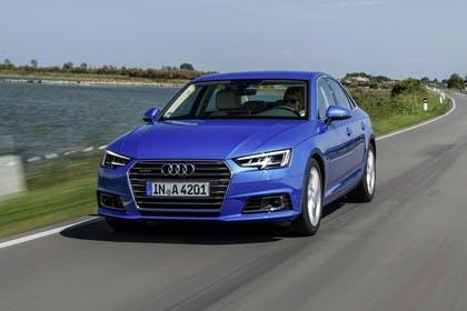 Audi A4 Limousine B9 Aussenansicht Front dynamsich blau