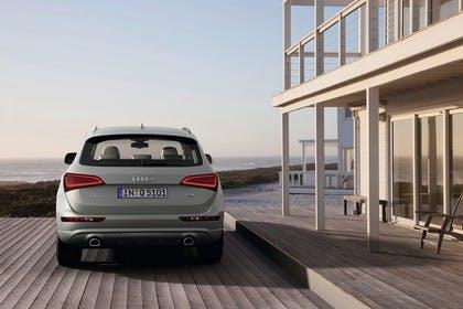 Audi Q5 8R Aussenansicht Heck statisch silber
