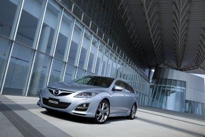 Mazda 6 Limousine GH Aussenansicht Front schräg statisch silber