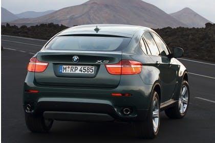 BMW X6 E71 LCI Aussenansicht Heck schräg statisch blau
