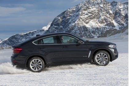 BMW X6 F16 Aussenansicht Seite dynamisch schwarz