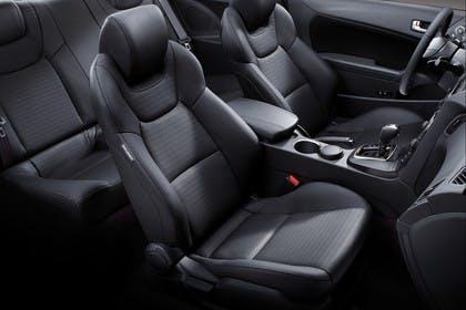 HyundaiGenesis Coupé Innenansicht Innenraum statisch schwarz