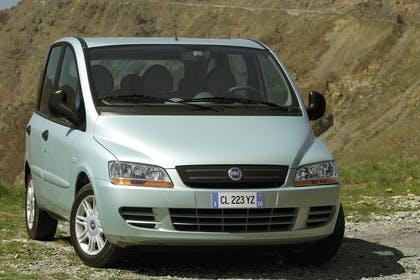 Fiat Multipla 186 Facelift Aussenansicht Front schräg statisch silber