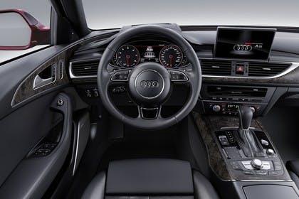Audi A6 C7 Avant Innenansicht Fahrerposition Studio statisch schwarz