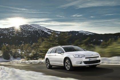 Citroën C5 Cross Tourer R Aussenansicht Front schräg dynamisch weiss