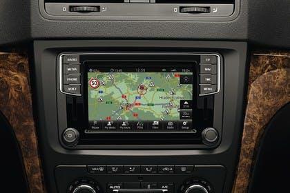 Skoda Yeti 5L Innenansicht statisch Detail Infotainment Navigation Bildschrim