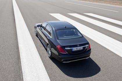 Mercedes-Benz S 350 BlueTEC Aussenansicht Heck schräg erhöht statisch schwarz