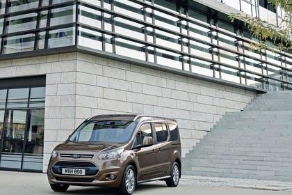 Ford Grand Tourneo Connect PJ2 Front schräg statisch braun
