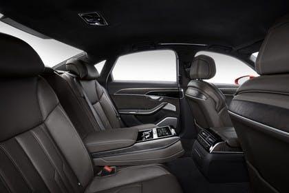 Audi A8 4N Innenansicht statisch Studio Detail Rücksitze beifahrerseitig