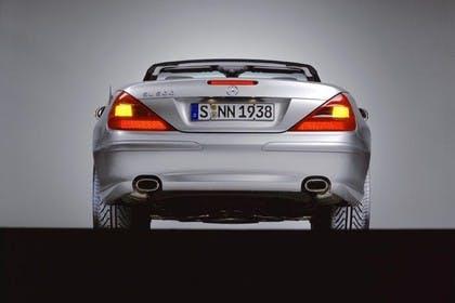 Mercedes SL R230 Studio Aussenansicht Heck statisch silber