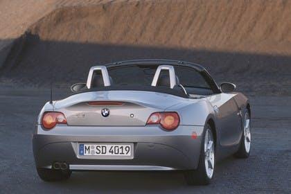 BMW Z4 Roadster E85 Aussenansicht Heck schräg statisch grau