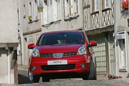 Nissan Note E11 Aussenansicht Front statisch rot