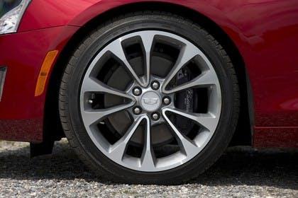 Cadillac ATS Coupé Aussenansicht Seite statisch Detail Rad vorne links