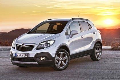 Opel Mokka J-A Aussenansicht Front schräg statisch weiss