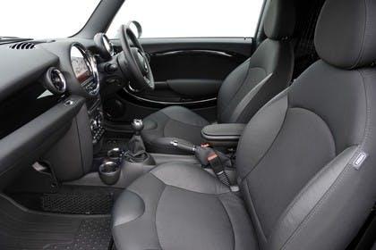 Mini Clubman R55 Studio Innenansicht Beifahrerposition statisch schwarz