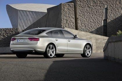Audi A5 Sportback Aussenansicht Heck schräg statisch silber