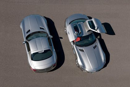 Mercedes-Benz SLS AMG Coupé C197 Aussenansicht Heck Front schräg erhöht statisch silber