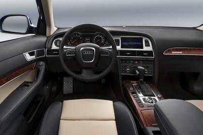 Audi A6 4F Avant Innenansicht Fahrerposition Studio statisch beige schwarz