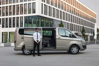 Ford Tourneo Custom 310 Seite statisch grau