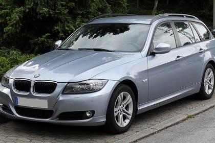BMW 3er Touring E91 LCI Aussenansicht Front schräg statisch blau