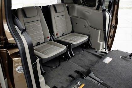 Ford Grand Tourneo Connect PJ2 Innenansicht Rücksitze zweite Reihe