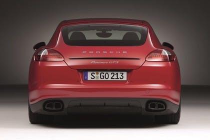 Porsche Panamera GTS 970 Aussenansicht Heck statisch Studio rot