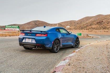 Chevrolet Camaro ZL1 Aussenansicht Heck schräg statisch blau