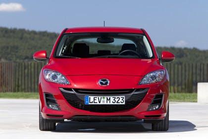 Mazda 3 Fünftürer BL Aussenansicht Front statisch rot