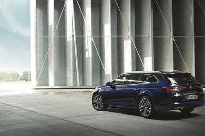 Renault Talisman Grandtourer (RFD) Aussenansicht Heck schräg statisch blau