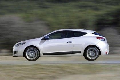 Renault Mégane Coupé Z Aussenansicht Seite dynamisch weiss