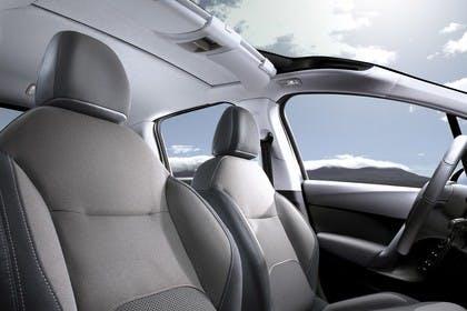 Citroën C3 S Innenansicht statisch Vordersitze und Lenkrad beifahrerseitig