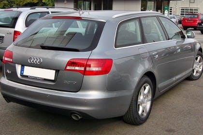 Audi A6 4F Avant Facelift Aussenansicht Heck schräg statisch grau
