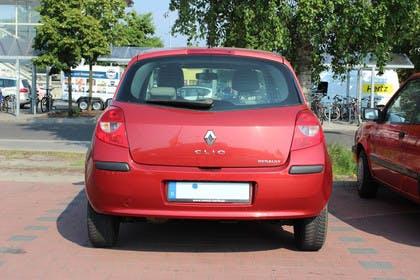 Renault Clio Dreitürer R Aussenansicht Heck statisch rot